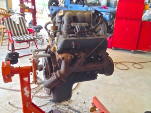 GM 4.3L Vortec V6 Engine ready to be installed in 88 Samurai